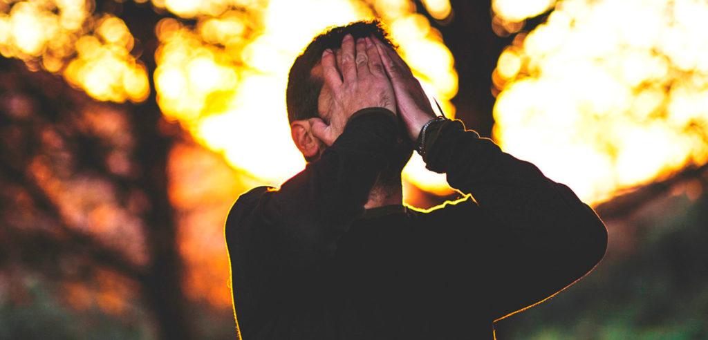 Cansado hasta de Dios